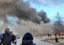 Жители Надыма остались без тепла и воды из-за крупного пожара в расселенном доме