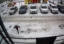 Прокуратура хочет отсудить 100 тысяч у УК после падения глыбы снега на ребенка в Губкинском