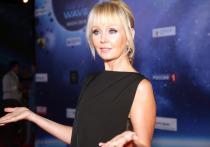 В конце апреля актриса Елена Проклова потрясла общественность, рассказав о пережитых в подростковом возрасте домогательствах
