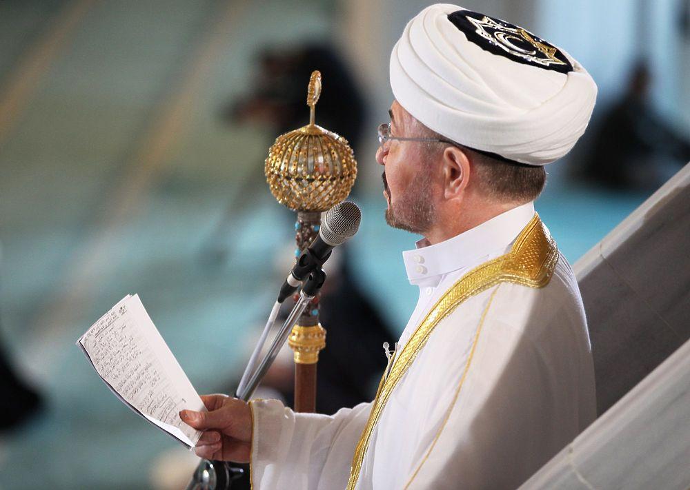 В Москве мусульмане отметили Урайза-байрам: молитва на дистанции