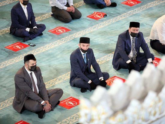 В последний момент коллективные молитвы запретили из-за эпидемических соображений