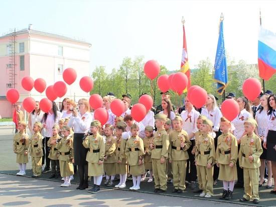 Школьники и студенты Калининского района Челябинска стали участниками парада