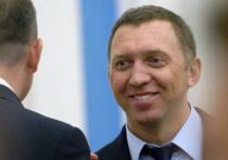 Предприниматель Олег Дерипаска во время заседания наблюдательного совета Института экономики роста им
