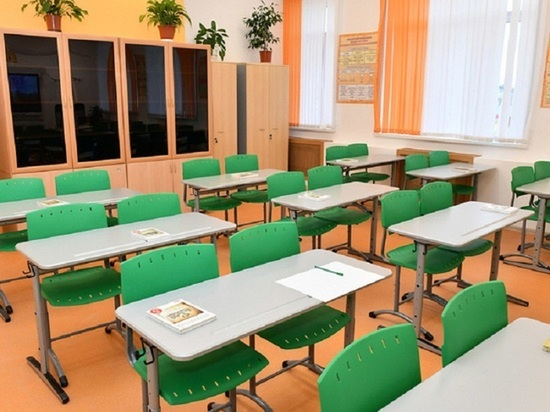 11 мая в гимназии Казани случилась беспрецедентная по жестокости расправа над людьми — вооруженный парень застрелил девятерых детей и двоих педагогов, несколько человек с ранениями находятся в больницах
