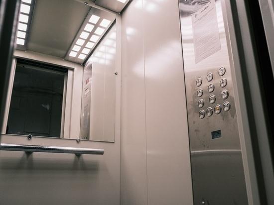 В Волгоградской области до конца года заменят 687 лифтов в 184 домах