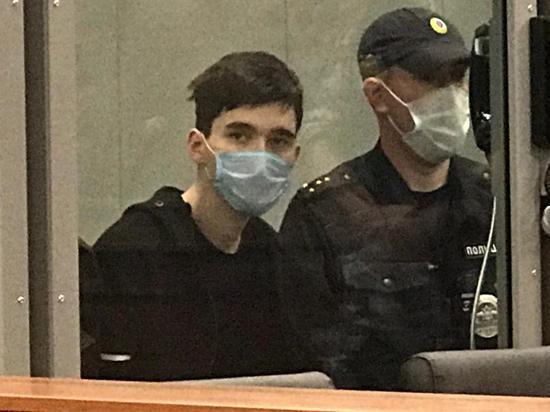 19-летний Ильназ Галявиев, устроивший стрельбу в казанской гимназии (напомним, погибли 9 человек, 23  ранены) в ближайшее время будет доставлен в Москву