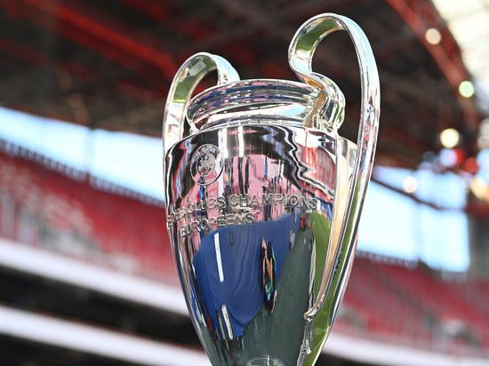 Финал Лиги чемпионов между «Манчестер Сити» и «Челси», который пройдет 29 мая, официально перенесен из Стамбула на стадион «Драгау» в Порту. Власти Великобритании добивались переноса в Лондон на стадион «Уэмбли», поскольку встречаться должны были две английские команды. Но УЕФА решил иначе. «МК-Спорт» рассказывает, почему.