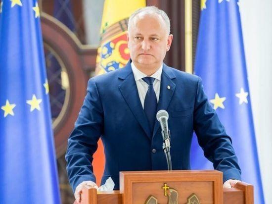 Додон обвинил ЕС и США во вмешательстве в выборы в Молдавии