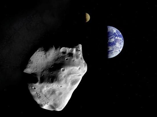 Как сообщают астрономы, к Земле приближается крупный астероид, размеры которого сопоставимы с размерами египетской пирамиды Хеопса