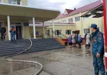 Почти 150 человек эвакуировали из православной гимназии Ноябрьска из-за пожара
