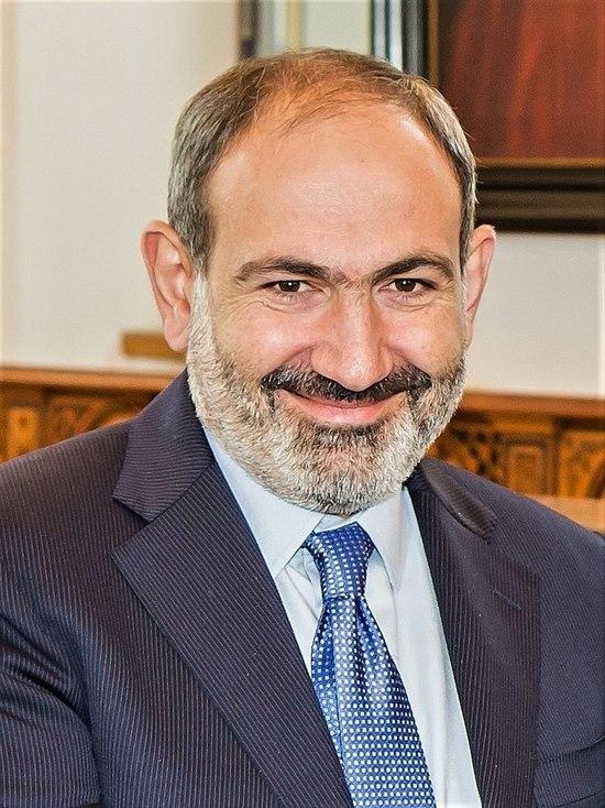 Пашинян обсудил с Путиным инцидент на армянско-азербайджанской границе