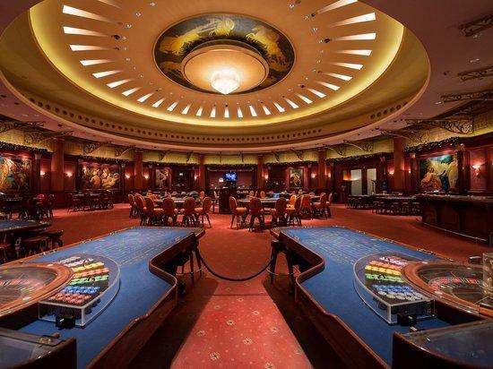 Трое мужчин открыли подпольное казино в Тверской области и теперь ответят за это