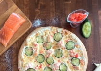Попробовать новую необычную пиццу предлагает псковичам Very Well Cafe
