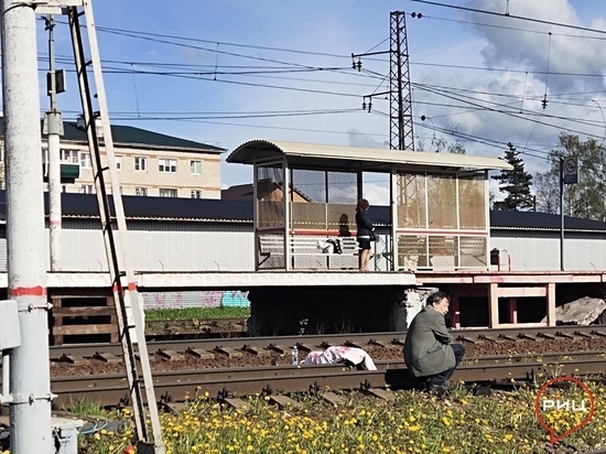 В Калужской области поезд сбил человека