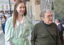 На фестивале «Виват кино России!» знаменитый сценарист, художник, режиссер и актер Александр Адабашьян представил  конкурсную картину «Про Лёлю и Миньку»