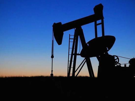 На месторождении ЯНАО прорвало трубопровод: вылилось 3 тысячи кубометров нефти
