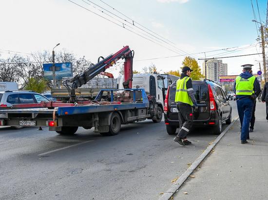 На Южном Урале автовладельцы жалуются, что при возврате машин со штрафстоянок на них есть повреждения