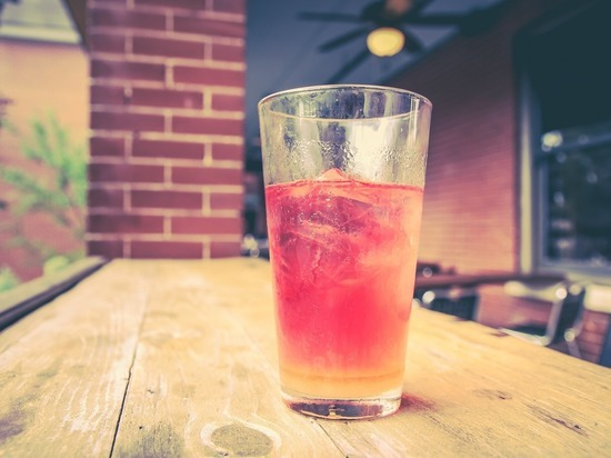 Ученые: цвет напитков влияет на скорость бега