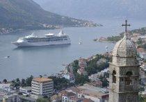 Власти Черногории заявили, что пустят туристов на следующей неделе