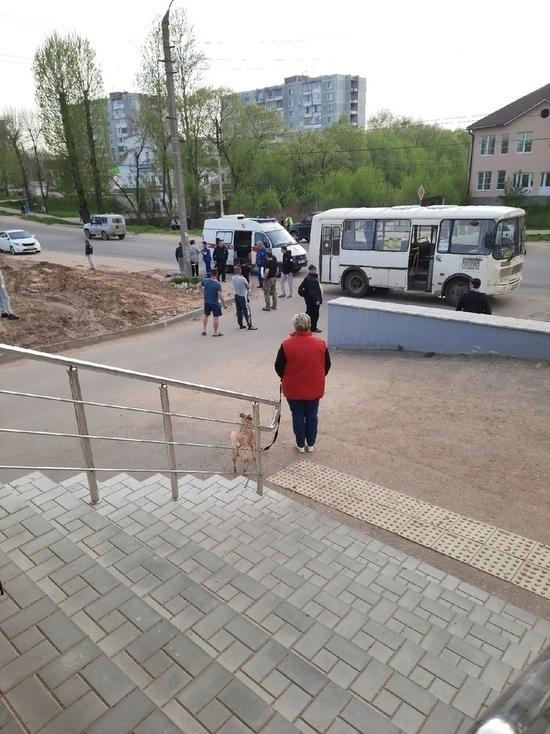 Следователи проводят проверку из-за смерти 4-летней девочка в ДТП в Тверской области