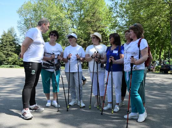 В Краснодаре стартовал марафон по спортивной ходьбе с палками