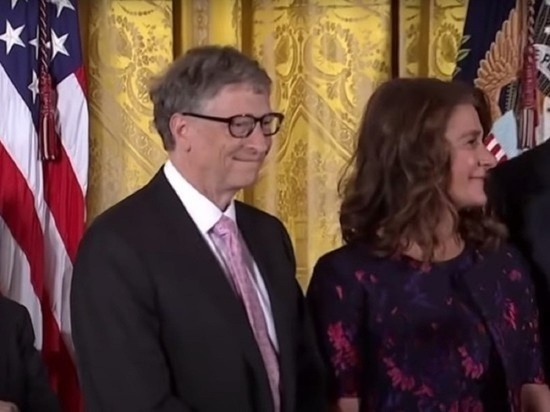 Супруга Билла Гейтса получила акции на миллиарды долларов