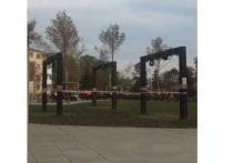 Кемеровчанам запретили качаться на качелях в Парке Ангелов из-за посадки газона