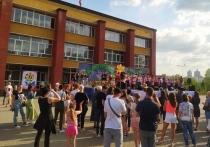 Донецкий театр песни «Казачий двор» завершил учебный год разгуляем
