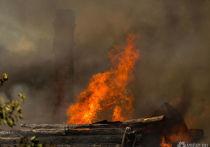 Крупный пожар уничтожил два дома в Тисульском районе