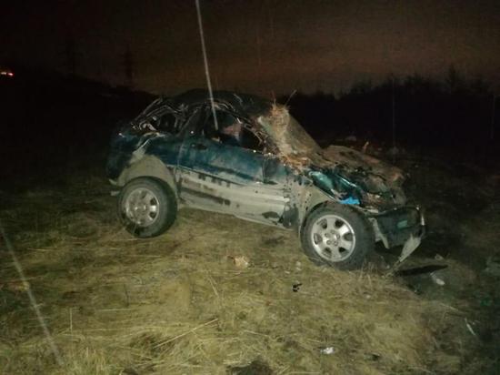 Машина в Магадане упала в кювет: водитель бросил пострадавшего и скрылся