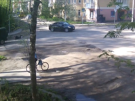 Появилось видео наезда «УАЗа» на ребенка в Тверской области