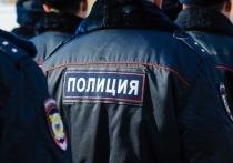 В Волгограде трое парней ночью отобрали у прохожего деньги и телефон