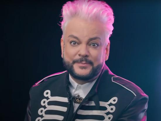 Иностранцы и россияне оказались озадачены «некрасивым» поведением российского певца Филиппа Киркорова на церемонии открытия «Евровидения-2021»