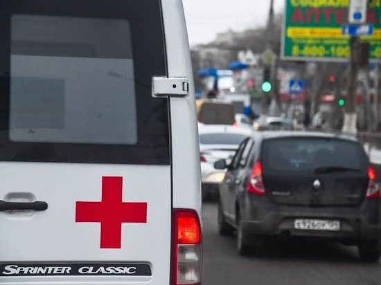 В Ворошиловском районе Волгограда в аварии пострадали три человека