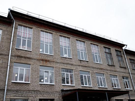 Почти 1,5 тысячи педагогов трудятся в муниципальных школах Пскова