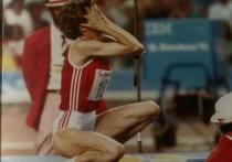 Спустя после 34 лет после рекорда Стефки Костадиновой в прыжках в высоту (2,09 м), болгарскую легкоатлетку обвинили в употреблении допинга. Это сделал шведский журналист Патрик Экваль, который уверен, что в те времена все спортсмены из Болгарии были «нафаршированы допингом». «МК-Спорт» расскажет, что случилось.