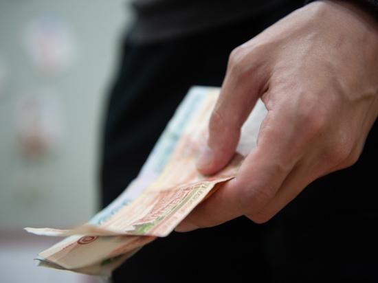 Астраханец поссорился со своей сожительницей из-за полумиллионого долга