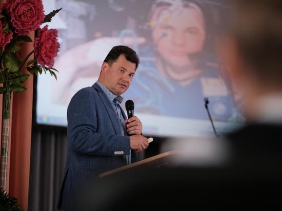 Герой России Роман Романенко поздравил победителей фестиваля в ЮАО «Созвездие талантов»