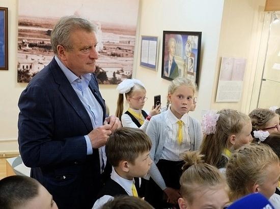 Губернатор Кировской области познакомил школьников с Александром Невским