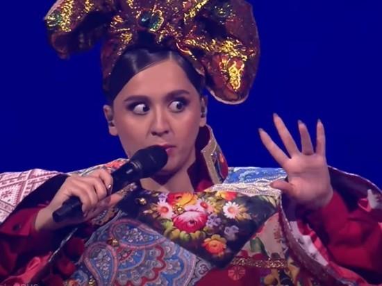 Ведущая Евровидения не смогла удержаться от смеха после слов Манижи