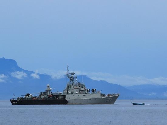 Китай выразил протест США из-за прохода эсминца через Тайваньский залив