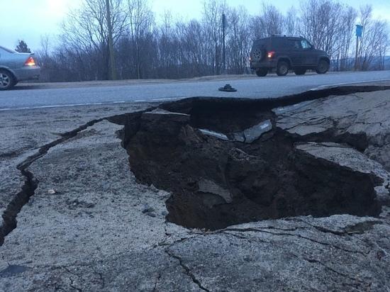 Дорога на Североморск-3 пострадала из-за талых вод