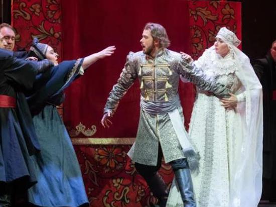 В Михайловском театре поставили оперу Чайковского