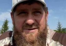 """Родственники пользователя Instagram, который во время прямого эфира главы Чечни Рамзана Кадырова в соцсети назвал того """"шайтаном"""", извинились за его поступок"""