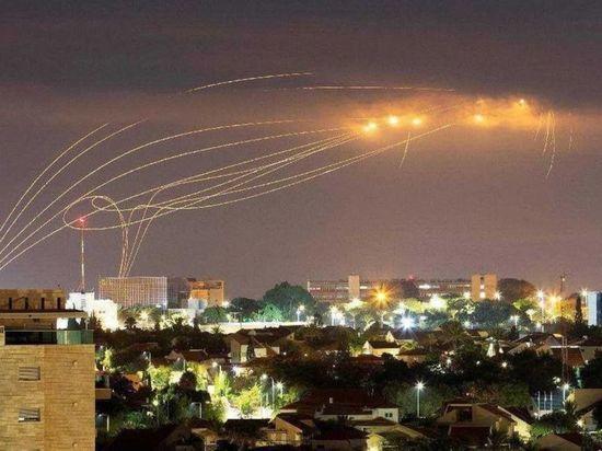 ХАМАС нанес ракетные удары по авиабазам Израиля