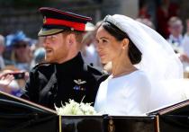 Королевская семья проигнорировала годовщину Гарри и Меган Маркл