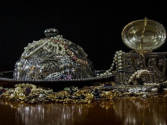 Под Казанью нашли украденные драгоценности на сумму 160 миллиардов
