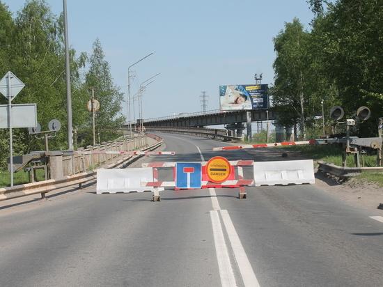 Перекрытый Северодвинский мост в Архангельске вновь вызвал пробки