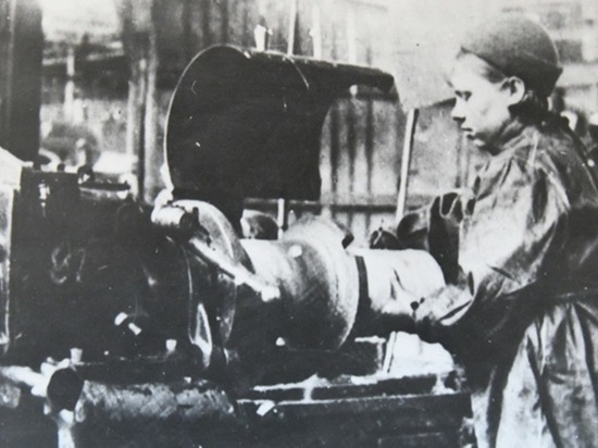 За какие заслуги Барнаул получил звание «Город трудовой доблести»