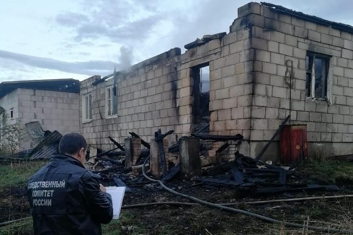 Костромские пожары: в деревне Логиново Островского района погиб 52-летний мужчина